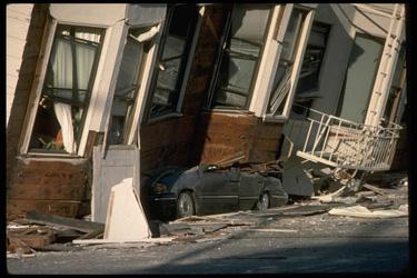 11989 Loma Prieta damage